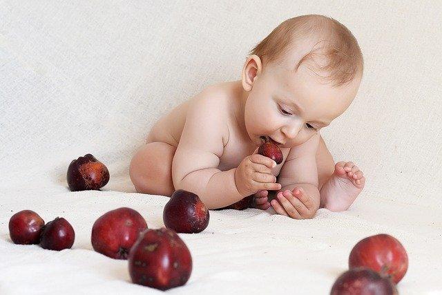Apvalus vaikas visą gyvenimą bus labiau linkęs tukti. Dietologės meniu 1–3 metų vaikams