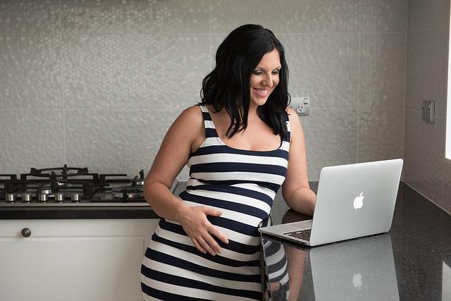 dirbti iš namų nėštumo metu