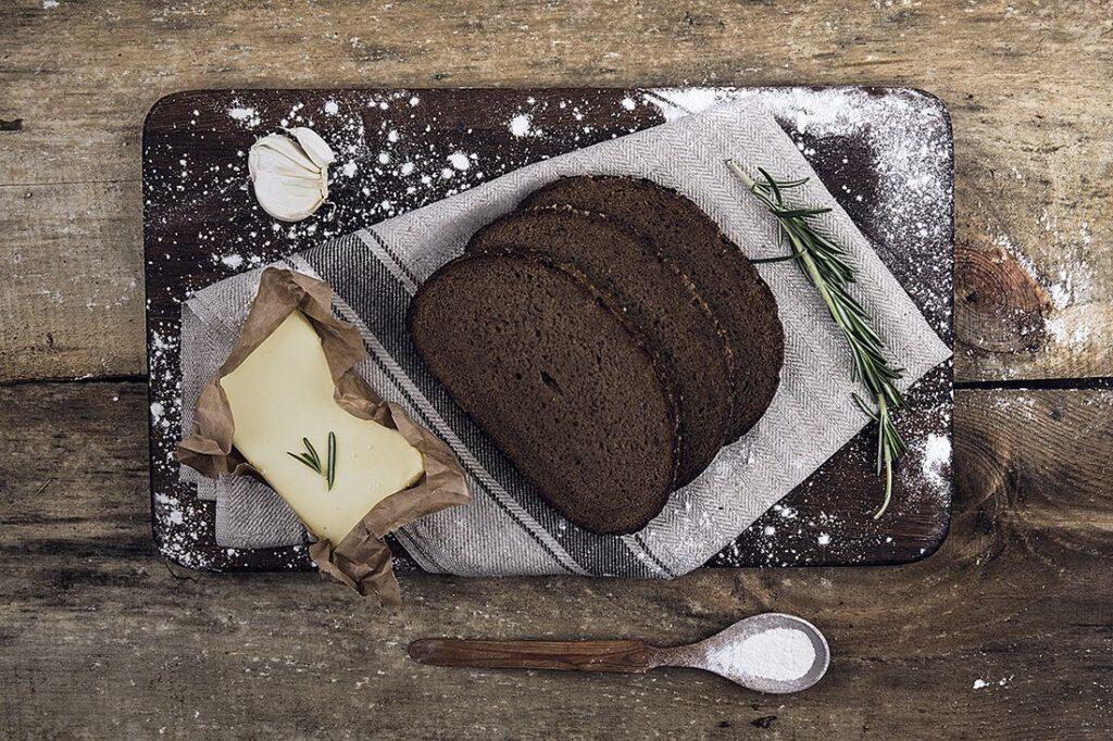 duonos ir sviesto pasirinkimo strategijos)
